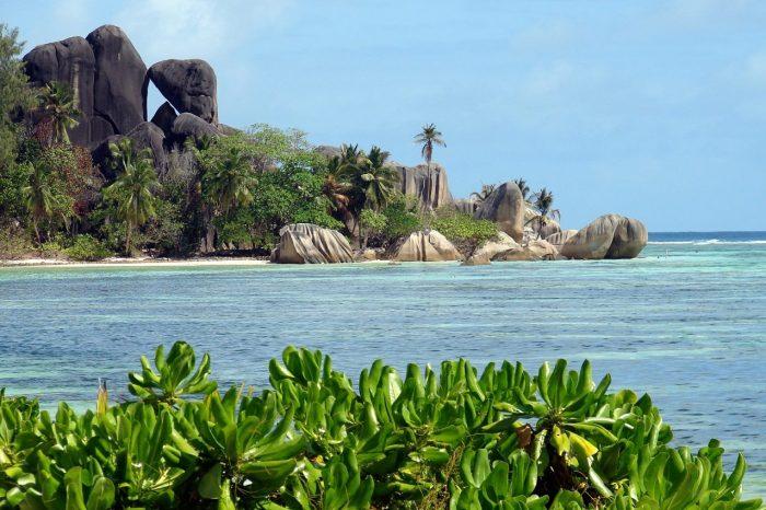 Tour Seychelles in guest house: Mahè + Praslin + La Digue