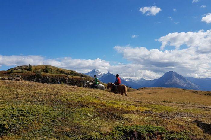Trekkinando:Trekking a cavallo Valle d'Aosta : La via del latte