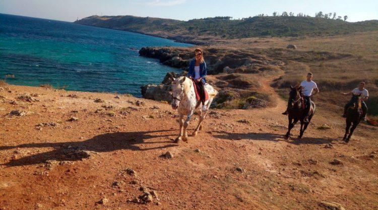 trekking a cavallo puglia