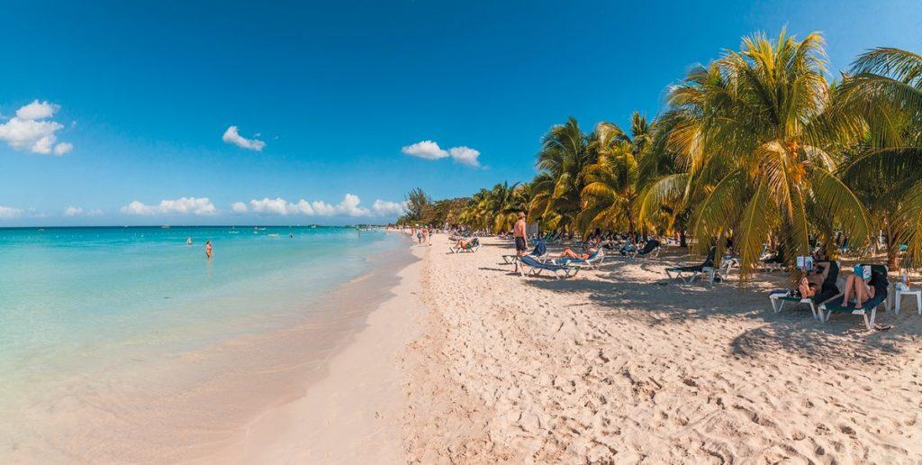 spiaggia charela inn beach resort