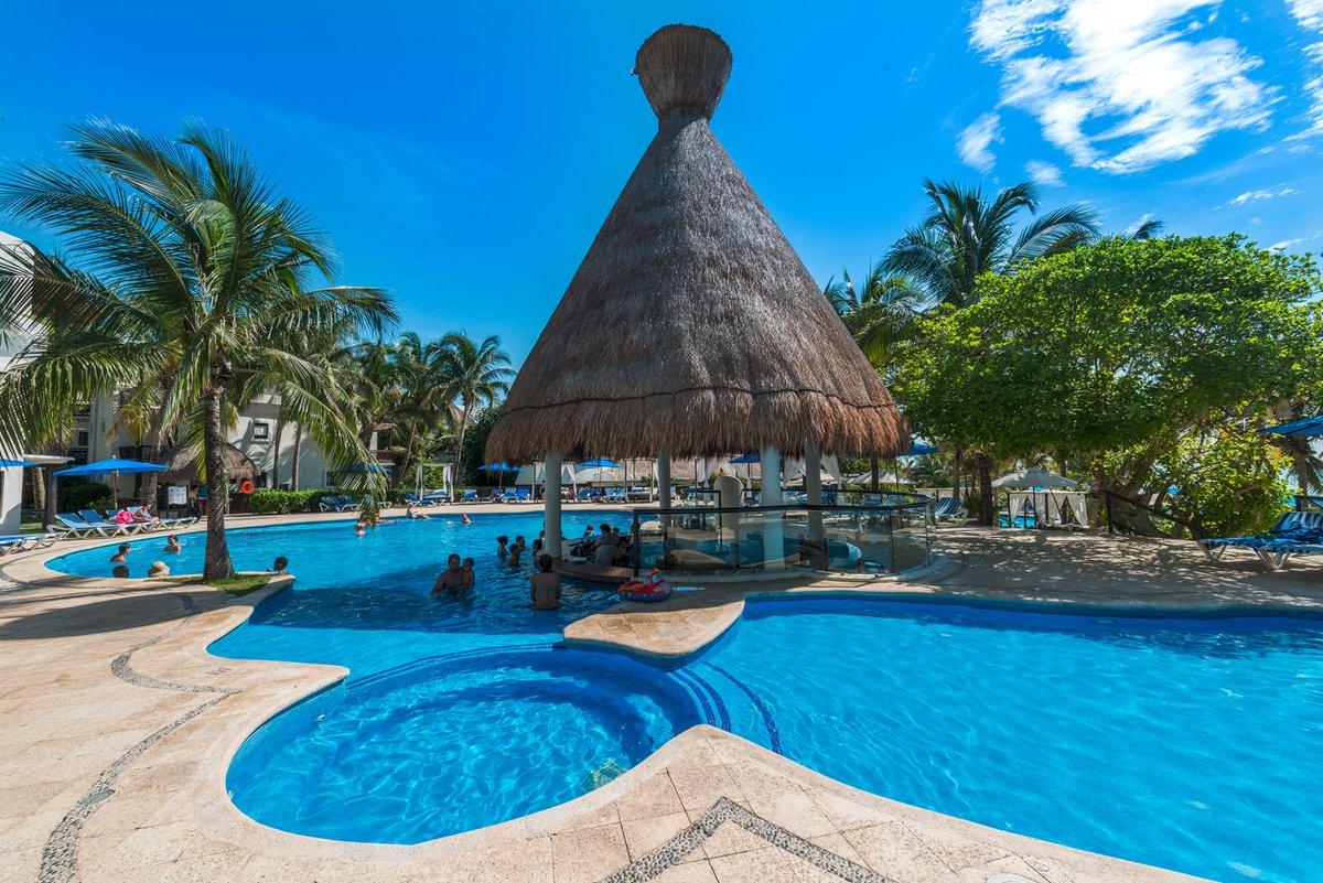 Hotel The Reef Playacar piscina